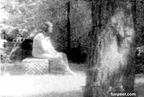 你能發現圖中士兵旁有隱約著有靈魂嗎?小心...世上最著名的8張靈異照片,千萬別嚇到了!